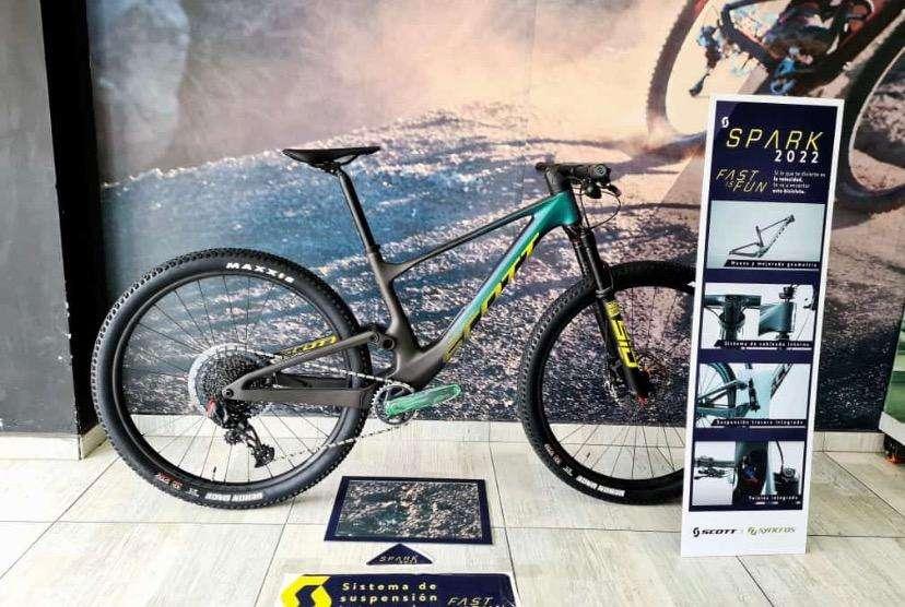 Spark team issue 2022 bicicleta carbono scott