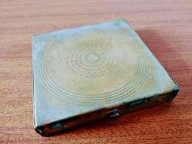 Decoración - Adorno - Antiguo - Antiguedad - Cofre en Bronce