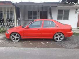 Se vende honda civic negociable