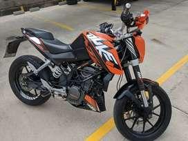 KTM DUKE 200 llantas Pirelli