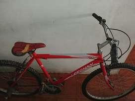 Bicicleta montañera roja