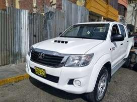 Vendo Toyota Hilux SR 2013