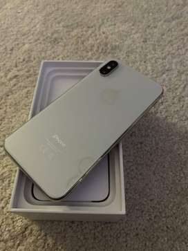 iPHONE XS 64gB COMO NUEVO