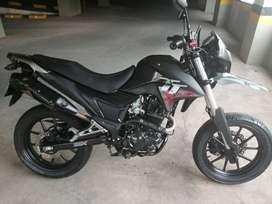vendo moto AKT modelo 2016 único dueño
