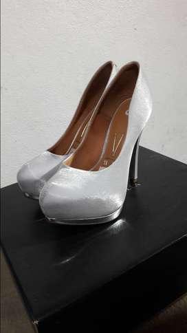 Zapatos de recepción