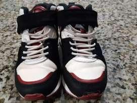 Zapato de niño Marca zara medio uso