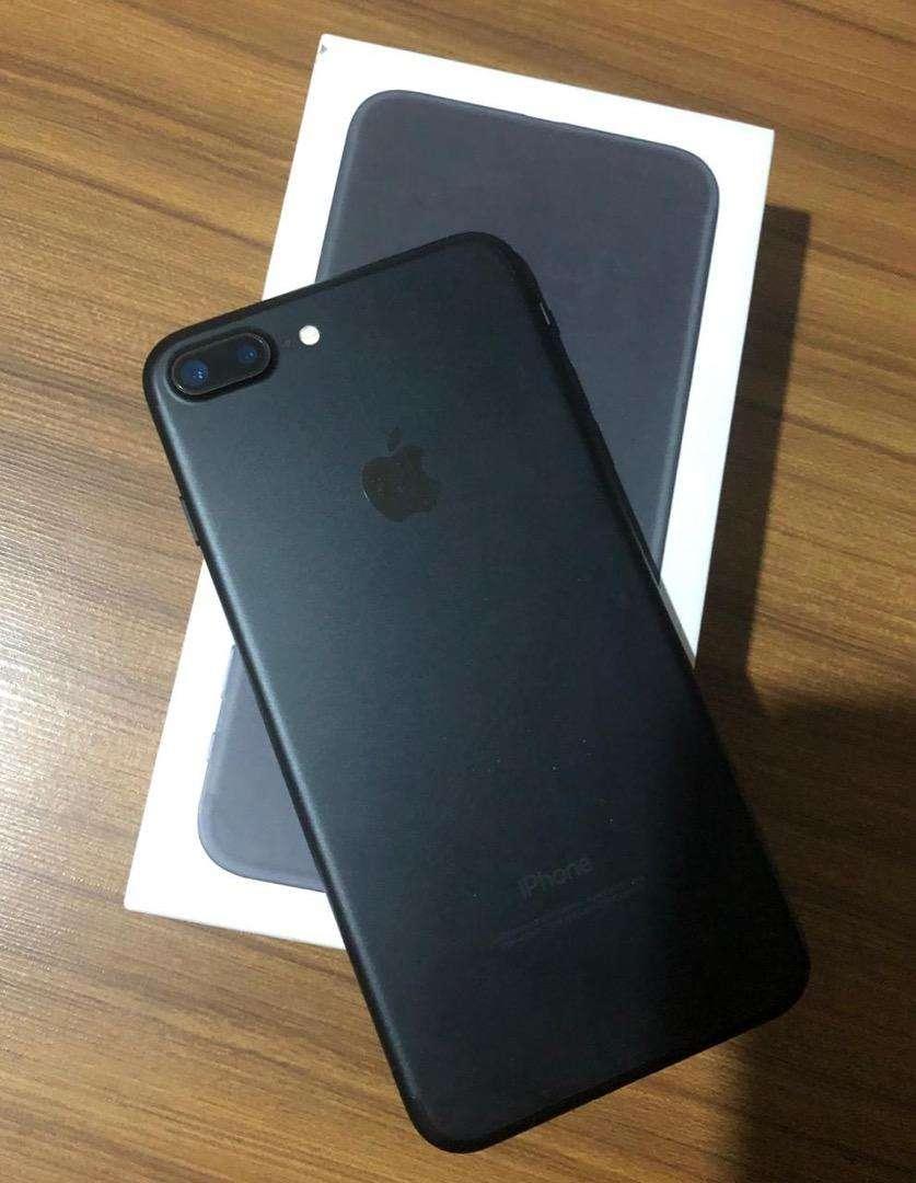 IPhone 7 Plus 32 Gb Black Matte 0