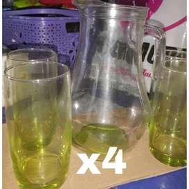 Jarra de vidrio .. ×4 vasos. Sopera de porcelana x4 tazas