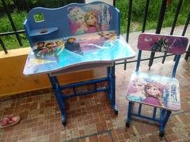 Se vende escritorio para niña