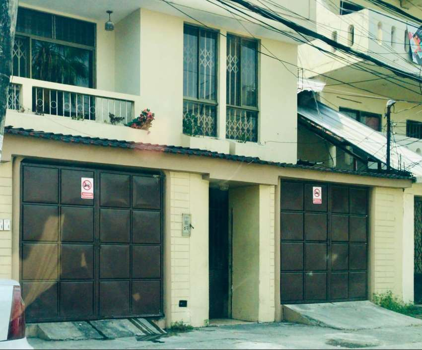 Venta de Casa Rentera en La Garzota, Norte de Guayaquil 0