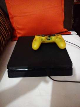 Vendo PLAY station 4 slim 500gb