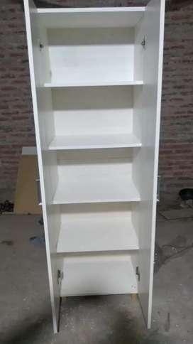 Se hacen muebles a medida .los materiales son en MDF DE 18 MILIMETRO