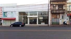 Se Alquila Local Comercial sobre Av. Uruguay