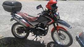 Vendo o cambio mi linda moto ranger 250