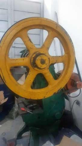 Troqueladora 40 toneladas troquela y embute