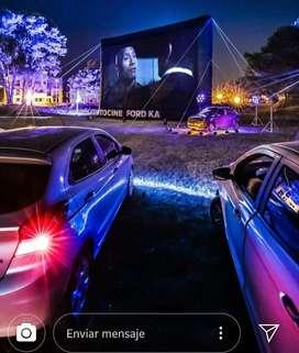 Autocine: pantalla + proyector