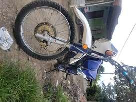 motocicleta Dt 125