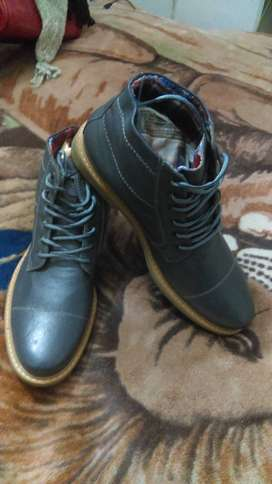 botas hombre cuero gris # 42