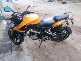 vendo linda moto pulsar ns 200 verla es comprarla esta muy buena de todo papeles al día