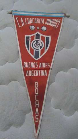 Antiguo y raro banderín Chacarita juniors departamento Bochas 1970s