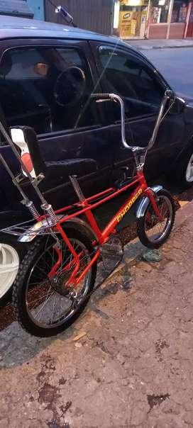 Vendo bicicleta chopper con toda sus piezas originales