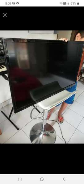 Vendo TV de 32 pulgadas.  LED. Como nuevo. 7 meses de uso marca olimpo