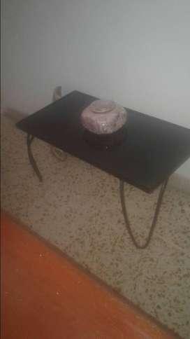 mesa de sala en hierro con vidrio