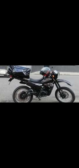 Se vende moto DT 125 CILINDROS ORIGINALES