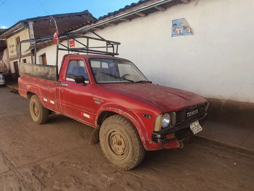 Camioneta toyota Stout 2200 0
