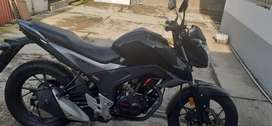 Vendo moto nueva cb160f con 1000 kilometros