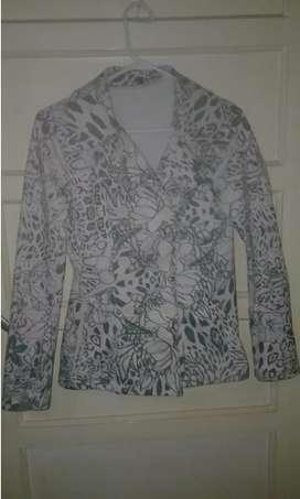 Saco estilo sweater re calentito talle M