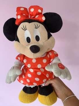 Minnie q baila