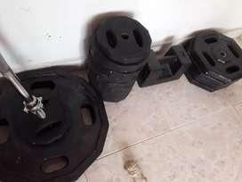 Disco de pesas 165 kilo en total mas barra z