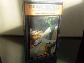 Novela En Inglés Grave Secrets
