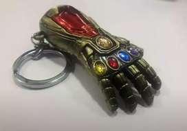 Llavero Iron Man guante infinito metal