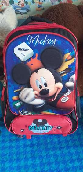 Vendo mochila nueva MICKEY