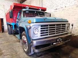 Ford 7000 con volquete