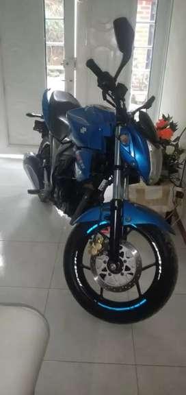 Se vende moto gixxer