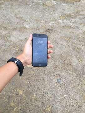 Marca : Apple , modelo : iPhone 7 , antigüedad : 1 año de uso