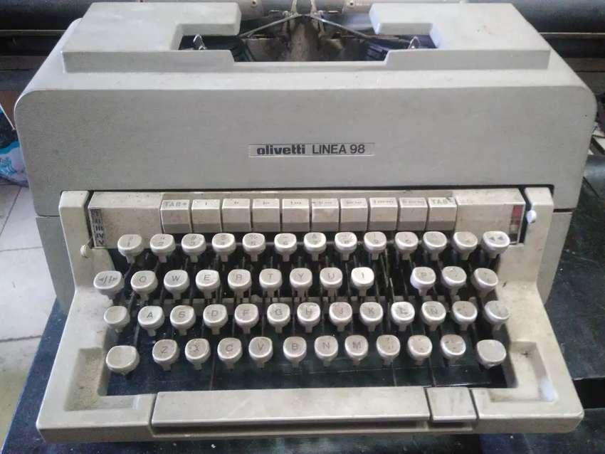 Maquina de escribir Olivetti Línea 98 0