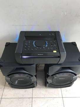 OFERTA! SONY Shake X30, Bluetooth, Karaoke, HDMI, Luz LED, CD, Usb, 1200w de Potencia Semi Nuevo