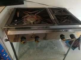 Vendo cocina industrial con 4 quemadores