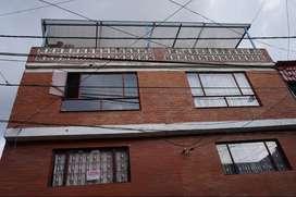 Vendo casa tres plantas mas terraza rentable