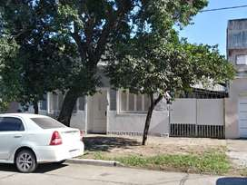 Casa excelente ubicación. Zona José Hernandez y Av. Paraguay