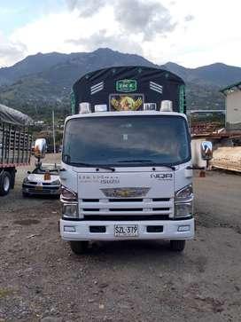 Camión NQR modelo 2012