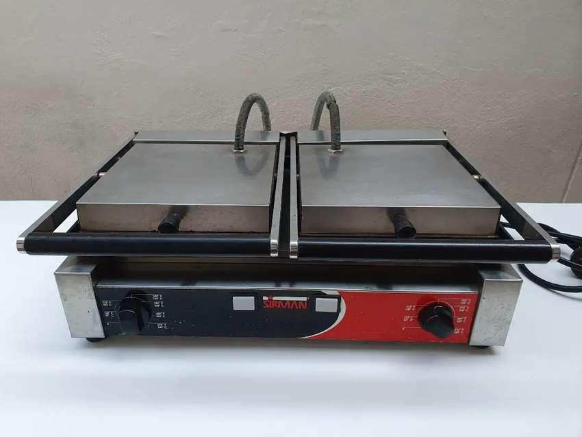 Plancha industrial grill panini doble sanduchera 0
