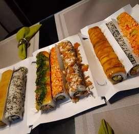 Se busca Auxiliar de Cocina que sepa hacer Sushi