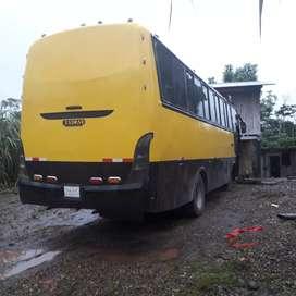 Vendo o cambio un bus urbano con un bus escolar