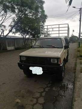 Camioneta Mitsubishi L200 4x4