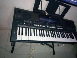 PIANO YAMAHA POCO USO